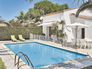 2 bedroom Villa in St. Cyprien Plage, Pyrenees Orientales, France : ref 2221075 - Saint-Cyprien vacation rentals