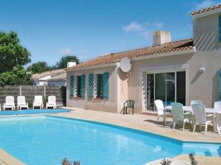 4 bedroom Villa in St. Jean de Monts, Vendee, France : ref 2221094 - Saint-Jean-de-Monts vacation rentals