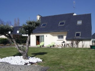 4 bedroom Villa in Tregunc, Finistere, France : ref 2221249 - Concarneau vacation rentals