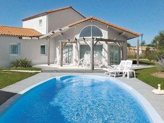 4 bedroom Apartment in Les Sables-d Olonne, Vendee, France : ref 2221425 - Chateau-d'Olonne vacation rentals