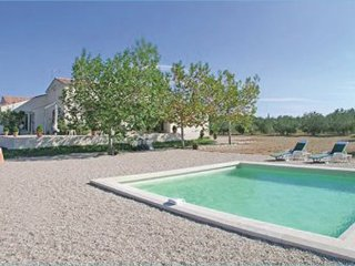 3 bedroom Villa in St Gilles, Gard, France : ref 2221596 - Saint-Gilles vacation rentals