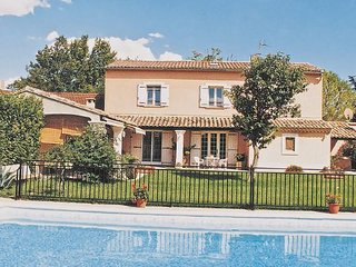 3 bedroom Villa in Orange, Vaucluse, France : ref 2221651 - Orange vacation rentals