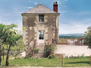 2 bedroom Villa in Dampiere sur Loire, Maine-et-loire, France : ref 2221688 - La Chapelle-Themer vacation rentals