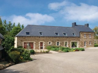 5 bedroom Villa in St Martin des Pres, Cotes D ´armor, France : ref 2221789 - Allineuc vacation rentals