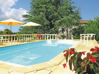 4 bedroom Villa in Juignac, Charente, France : ref 2221901 - Juignac vacation rentals