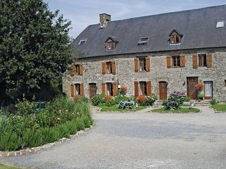 4 bedroom Villa in Maupertuis, Manche, France : ref 2221902 - Percy vacation rentals