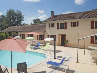 4 bedroom Villa in Verteillac, Dordogne, France : ref 2221951 - Cherval vacation rentals
