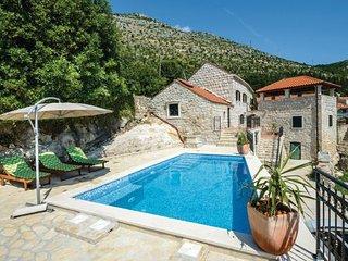 3 bedroom Villa in Dubrovnik-Majkovi, Dubrovnik Riviera, Croatia : ref 2238500 - Slano vacation rentals