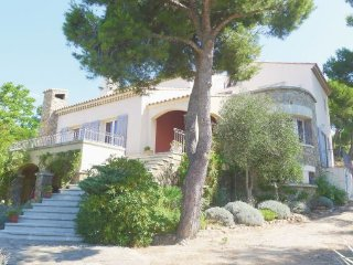 4 bedroom Villa in Carry-le-Rouet, Bouches Du Rhone, France : ref 2239264 - Carry-le-Rouet vacation rentals