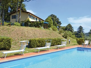 4 bedroom Villa in Pescia, Montecatini / Pistoia And Surroundings, Italy : ref - Pietrabuona vacation rentals