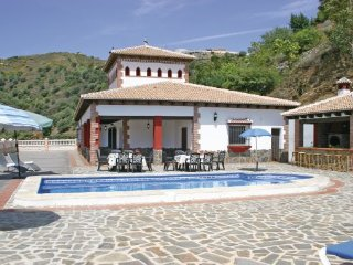 5 bedroom Villa in Sayalonga, Costa Del Sol, Spain : ref 2239563 - Sayalonga vacation rentals