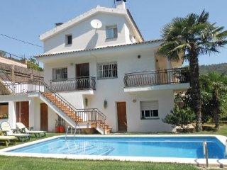 4 bedroom Villa in San Pol De Mar, Costa De Barcelona, Spain : ref 2239619 - Sant Iscle de Vallalta vacation rentals