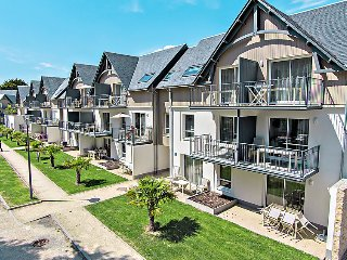 3 bedroom Apartment in Benodet, Brittany   Southern, France : ref 2242585 - Benodet vacation rentals