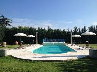 4 bedroom Villa in Tregozzano, Toscana, Italy : ref 2244402 - Tregozzano vacation rentals