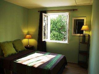 3 bedroom Villa in Vaison La Romaine, Provence, France : ref 2250621 - Vaison-la-Romaine vacation rentals
