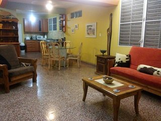 Ample 1b/1b house very near Ocean Park beach! - San Juan vacation rentals