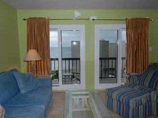 Pinnacle Port A533 - 40% off Spring/Late Spring 2/16-5/20 if booked by 4/14/17! - Panama City Beach vacation rentals