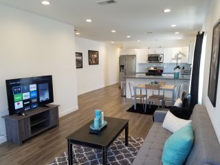 Hollywood Style 1 Bedroom Suit California Los Angeles