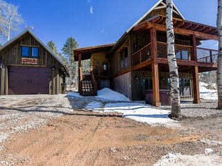 Twin Aspen Lodge - New Construction with private hot tub - Lead vacation rentals