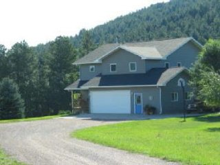 Spacious 4 bedroom House in Sturgis with A/C - Sturgis vacation rentals