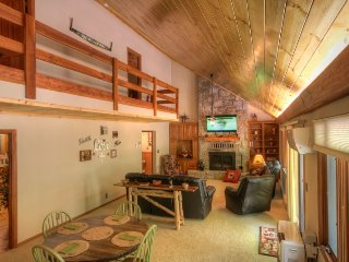 Spacious Mountain-style Home on Sugar Mtn with Hot Tub, King Beds, Game Room - Sugar Mountain vacation rentals