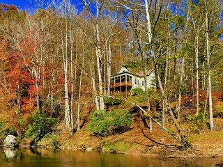Riverfront Comfort in Valle Crucis, Upscale Mountain Transitional on the - Valle Crucis vacation rentals