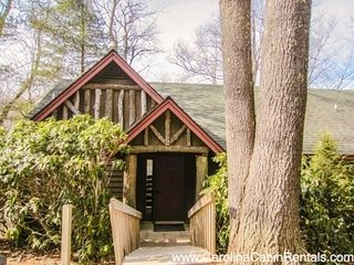 2BR Cottage, Great Views, Hardwood Floors, Stacked Stone Fireplace, Full - Boone vacation rentals