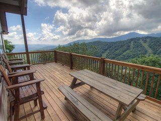 3BR Updated, Huge Layered Views, Breathtaking Views of Grandfather Mountain - Seven Devils vacation rentals