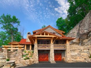 4BR Luxury Home In The Lodges at Eagle`s Nest, Long Range Views, 3 King Suites - Banner Elk vacation rentals