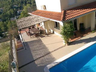 Comfortable villa with pool in the hills of Sitges - Olivella vacation rentals