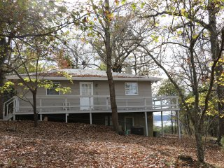 Beautiful Cottage with Internet Access and A/C - Gamaliel vacation rentals