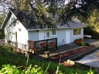 Quiet Country Cottage. Nature. Close to town. - Santa Cruz vacation rentals