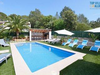 Gorgeous House in Puerto de Alcudia with A/C, sleeps 10 - Puerto de Alcudia vacation rentals