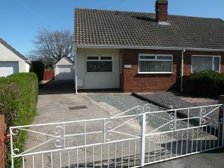Roslyn, Holiday Bungalow in Abergele by the Seaside, Golf/Walks nearby. - Abergele vacation rentals