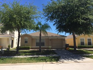 Great location and rates, beautiful villa with pool - Loughman vacation rentals