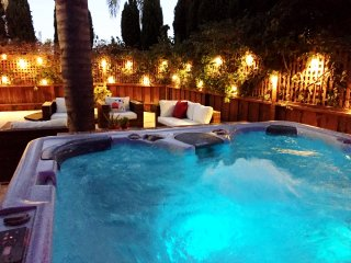 Villa Del Torito! Steps to Sand/Beach Crown Point! - Pacific Beach vacation rentals