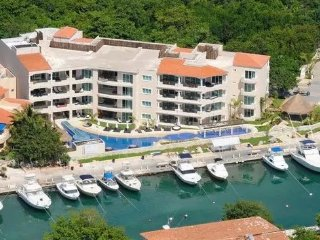 LUXURY APARTMENT up to 8 people! - Puerto Aventuras vacation rentals