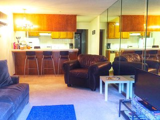 1 Bedroom condo close to Disneyland and OC beaches - Fountain Valley vacation rentals