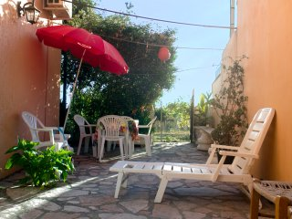 Quiet bungalow apartment for 4 to 6, 100m from beach - Agios Gordios vacation rentals
