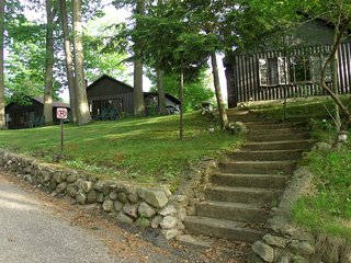 GLASER'S GLENN LOG CABIN RESORT-CABIN #3/2-bedroom - Whitehall vacation rentals