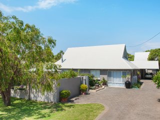 Perfect 5 bedroom Busselton House with Deck - Busselton vacation rentals