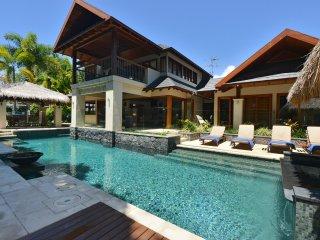 12 Cowrie Street - 4 Bedroom Beachfront House - Port Douglas vacation rentals