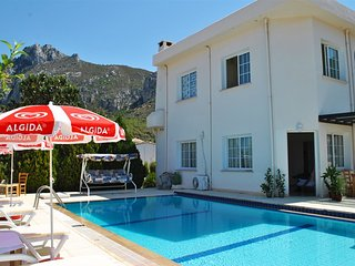 Villa Sesil sleeps 5 people with 3 bedrooms and 1 bathrooms - Edremit (Trimithi) vacation rentals