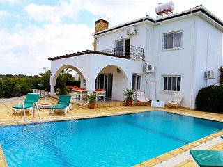 Villa Giorgina sleeps 8 people with 4 bedrooms and 2 bathrooms - Karsiyaka vacation rentals