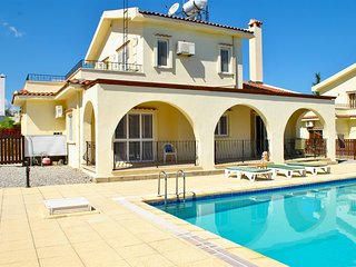 Villa Thornbury sleeps 6 people with 3 bedrooms and 2 bathrooms - Kyrenia vacation rentals