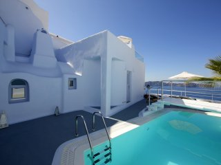 Blue Villas   Rosa  Beautiful Caldera View - Firostefani vacation rentals