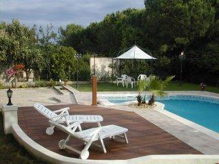 CAP D'AGDE, studio avec piscine dans villa - Cap-d'Agde vacation rentals
