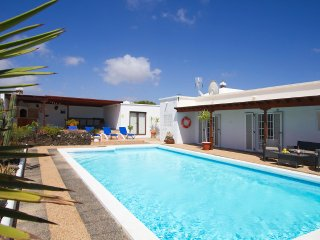 Villa Renaissance - 5 Bedrooms, 5 Ensuite - Private Pool, Air Hockey, Pool Table - Playa Blanca vacation rentals