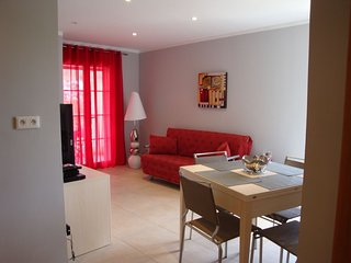 Apartment - 300 m from the beach - Galeria vacation rentals