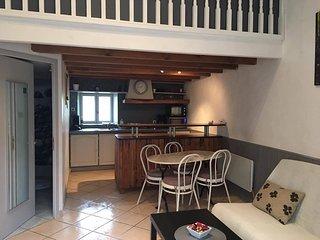 Appartement de charme - Studio proche de Blaye - Cartelegue vacation rentals